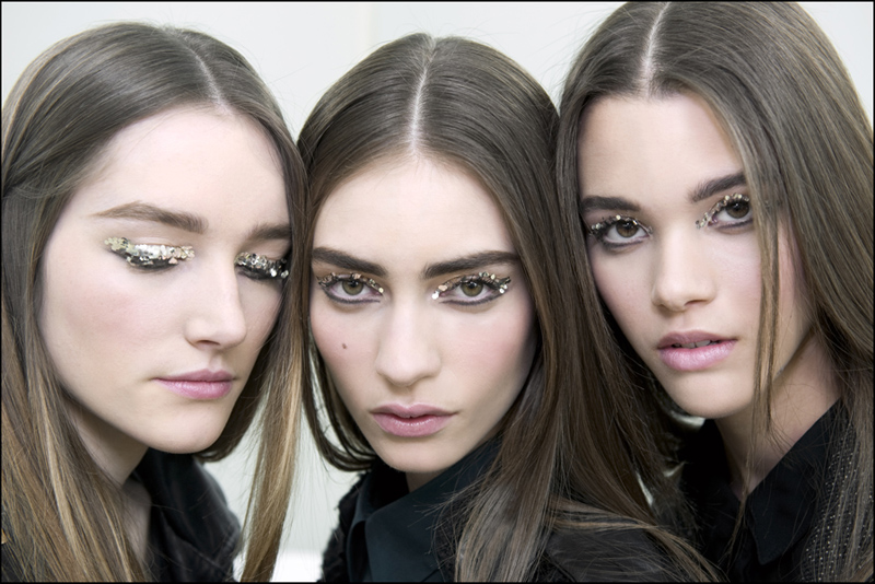 Chanel-Beauty-Look-from-Autumn-Winter-2013-2014-by-Peter-Philips